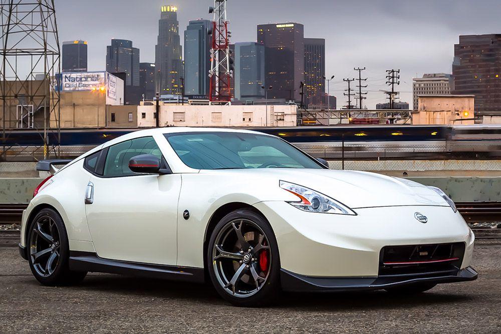 10 Avtomobilej Kotorye Mogut Stat V Budushem Kollekcionnymi Nissan 370z Nismo Nissan 370z Affordable Sports Cars