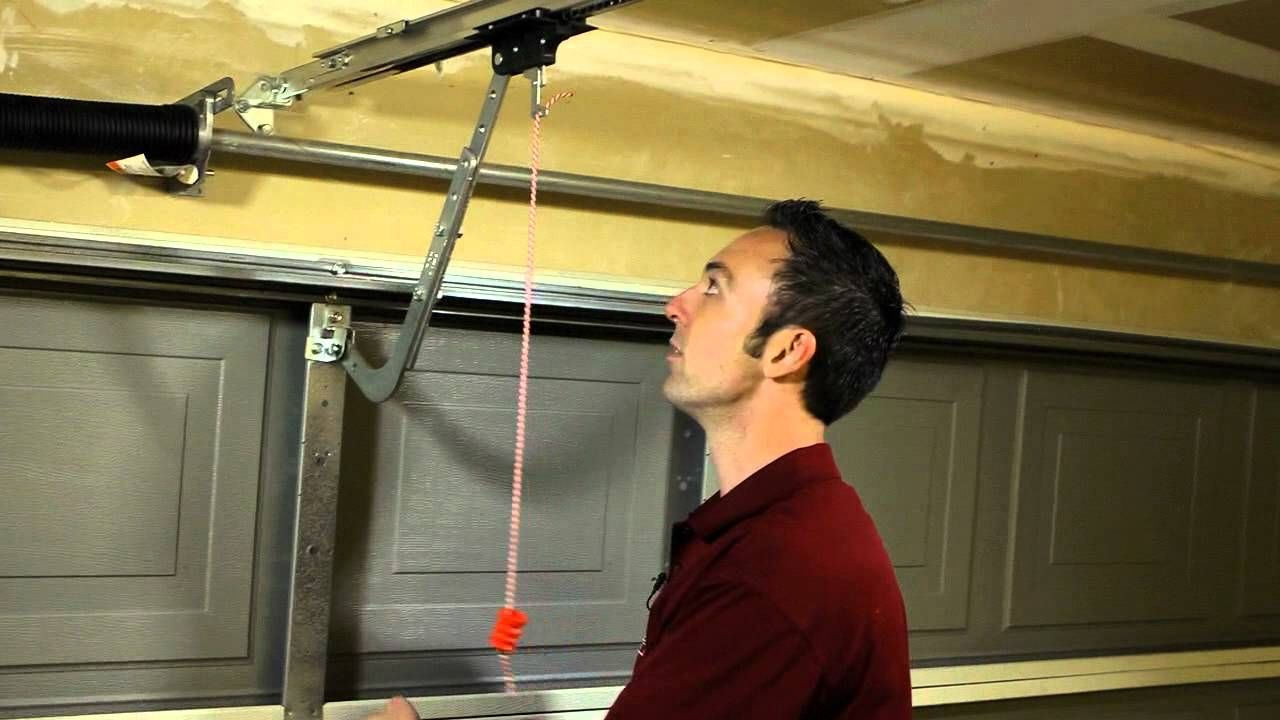 DIY video on how to manually disengage a Genie garage door