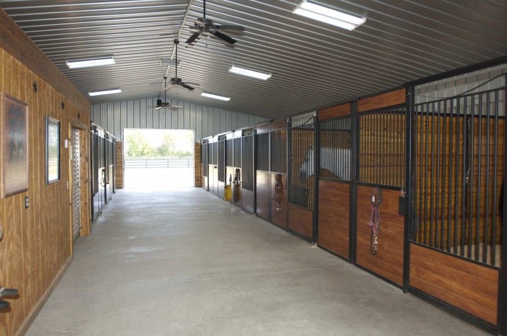 Morton Buildings Horse Barn In Ohio Horse Barns Horse Barn Designs Barn Interior