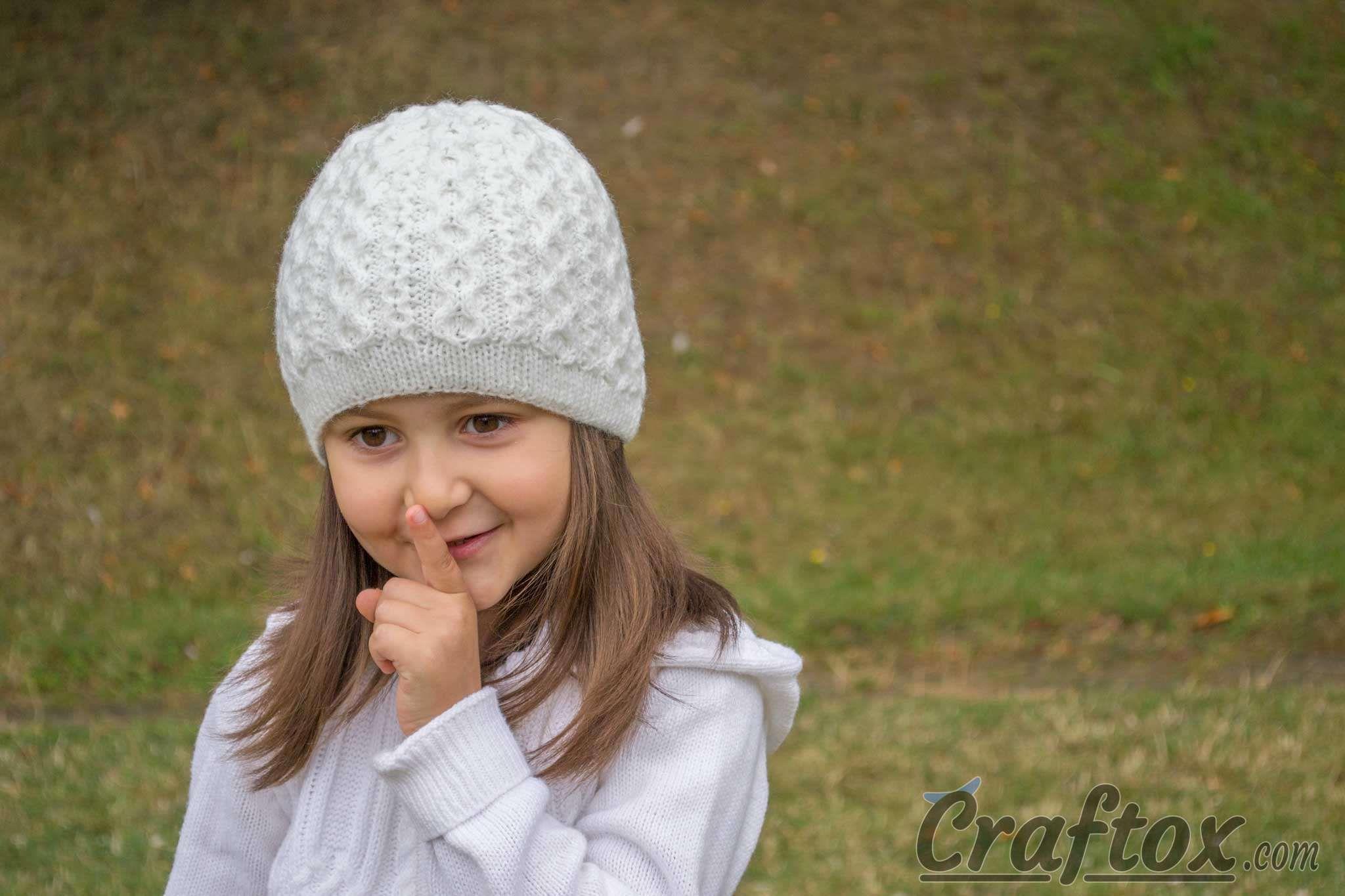 Girls winter beanie. Free knitting pattern | Knit & Crochet Headwear ...