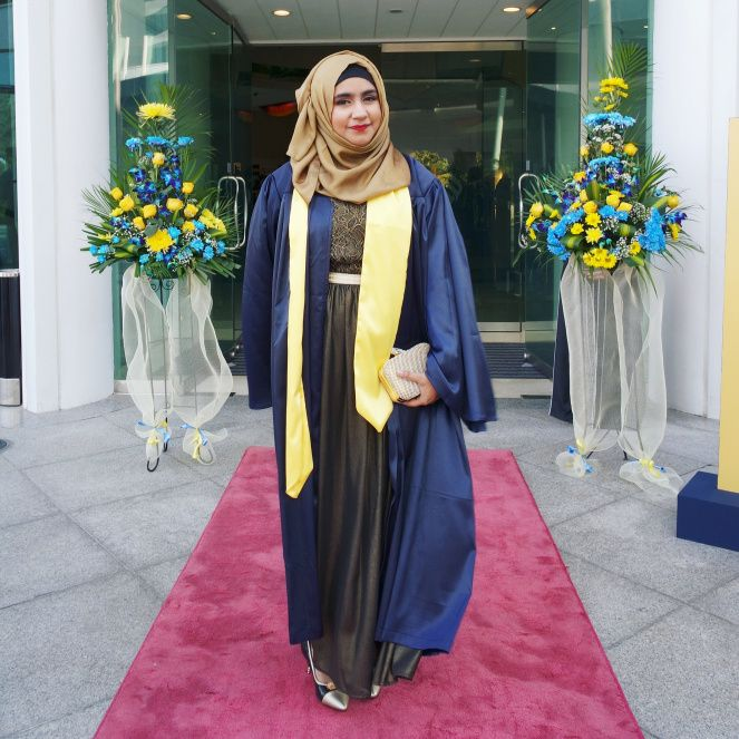 535066d2ce5 How to style Graduation Outfit Hijabi My College