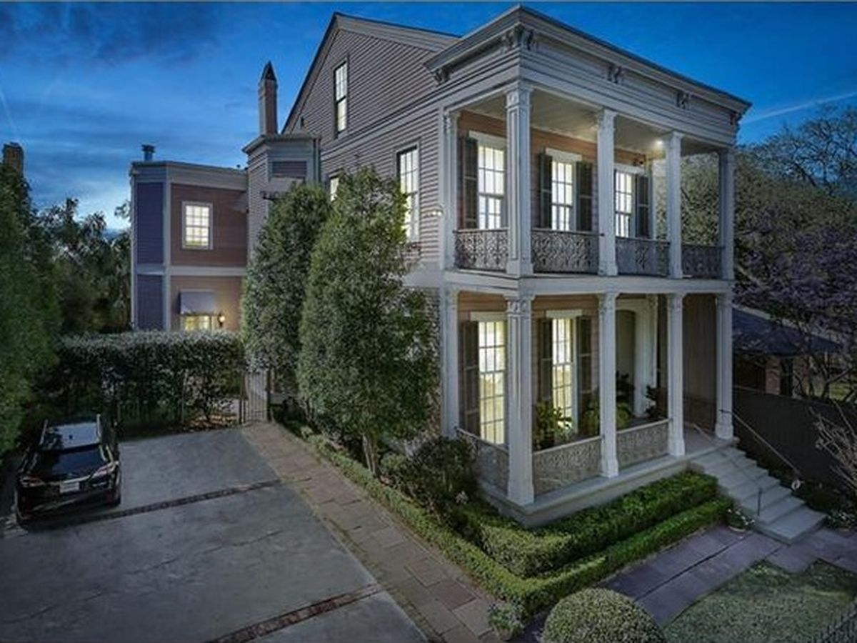 The Garden District S 10 Least Expensive Homes On The Market New Orleans Garden District Expensive Houses New Orleans Homes