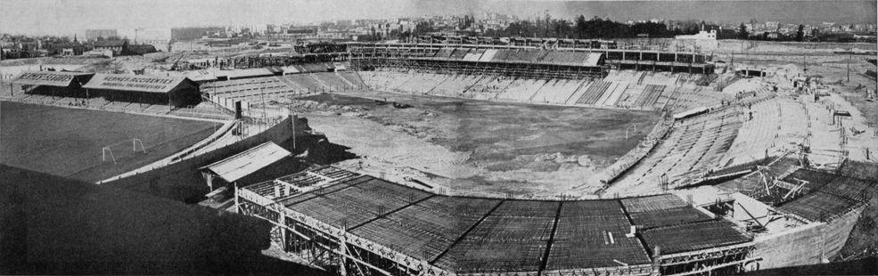 Construcci n del estadio santiago bernabeu el 27 de for Puerta 23 bernabeu