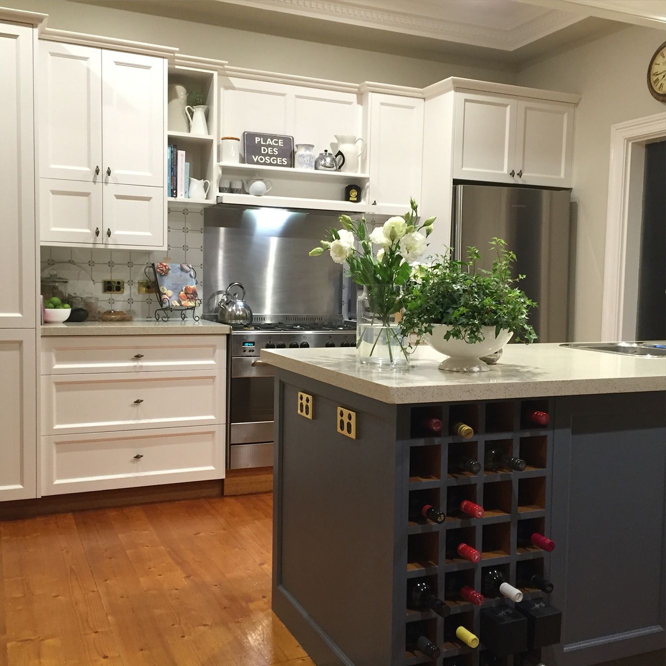 Kitchen Colors With Antique White Cabinets: Painted Kitchen Project. Dulux Antique White USA On Rear