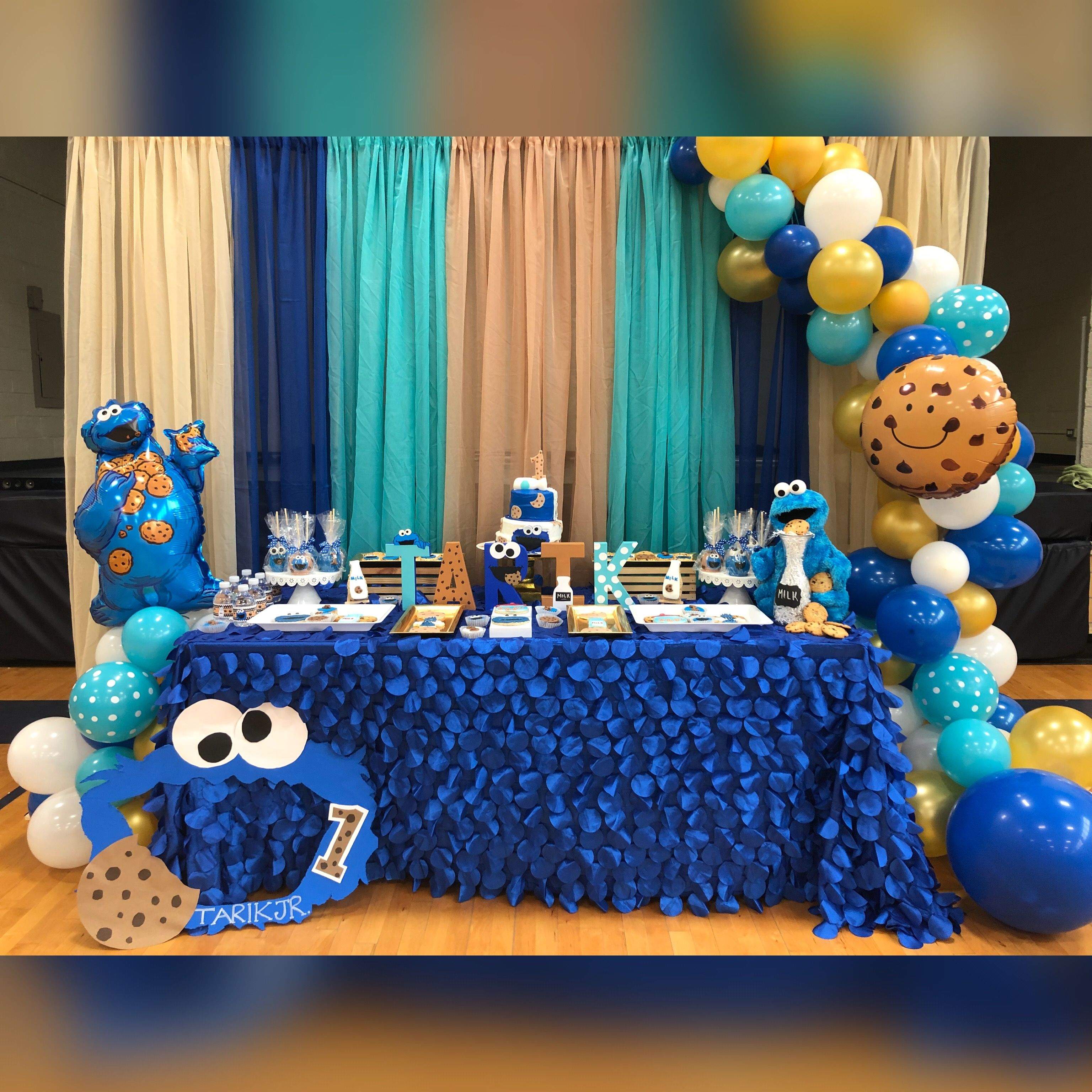 Pin By Jayla Bilbo On Birthdays Cookie Monster Birthday Party Cookie Monster Party Cookie Birthday Party