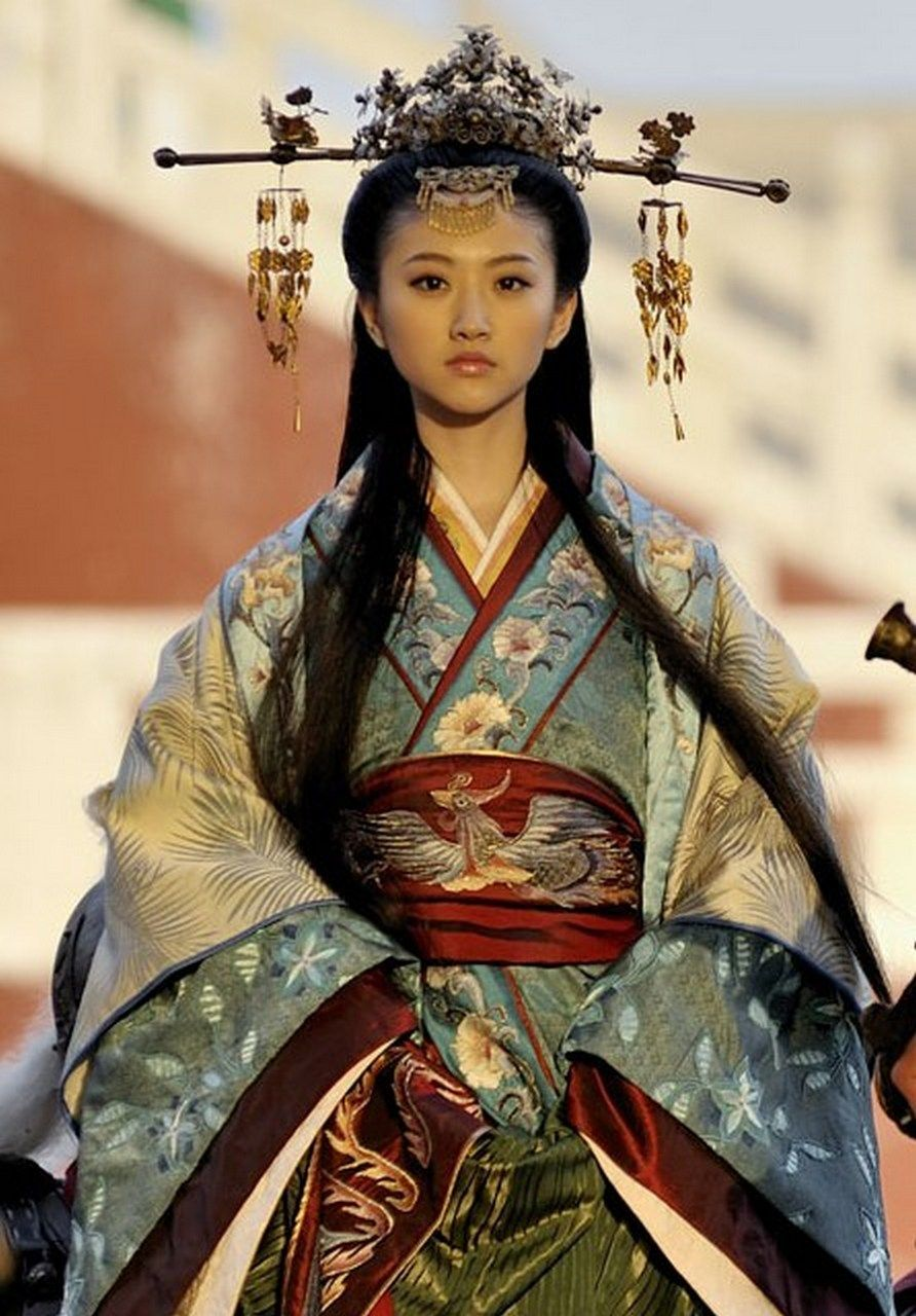 ancient chinese princess clothing and headpiece | historical