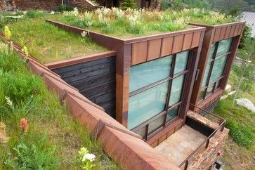 This Small Guest House Is Built Into The Side Of The Hill And Opens Up To Majestic Views Of Vail Mountain T Underground Homes Green Roof House Built Into Hill