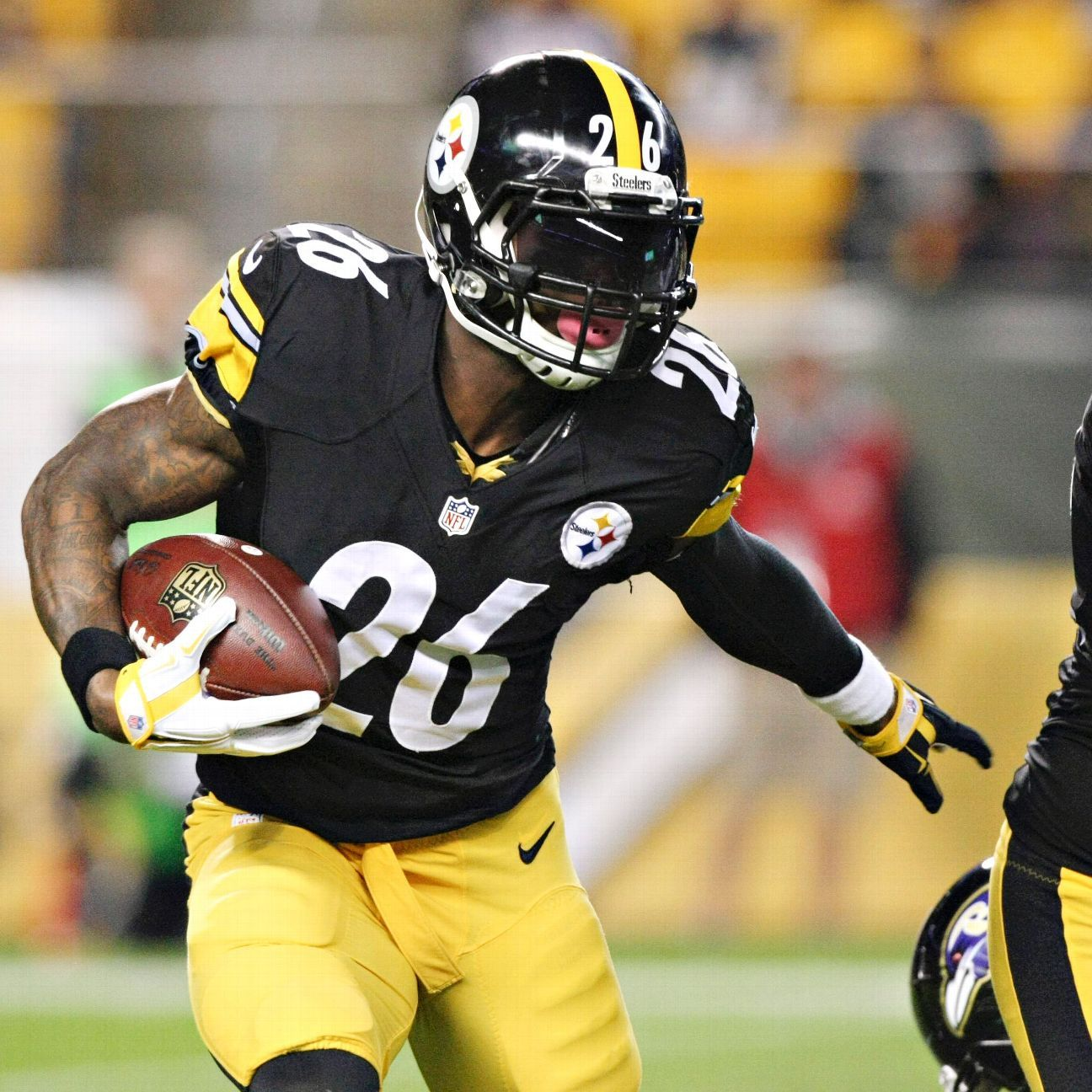 Le\'Veon Bell\'s patient style leaves Steelers with sore arms, sweet ...