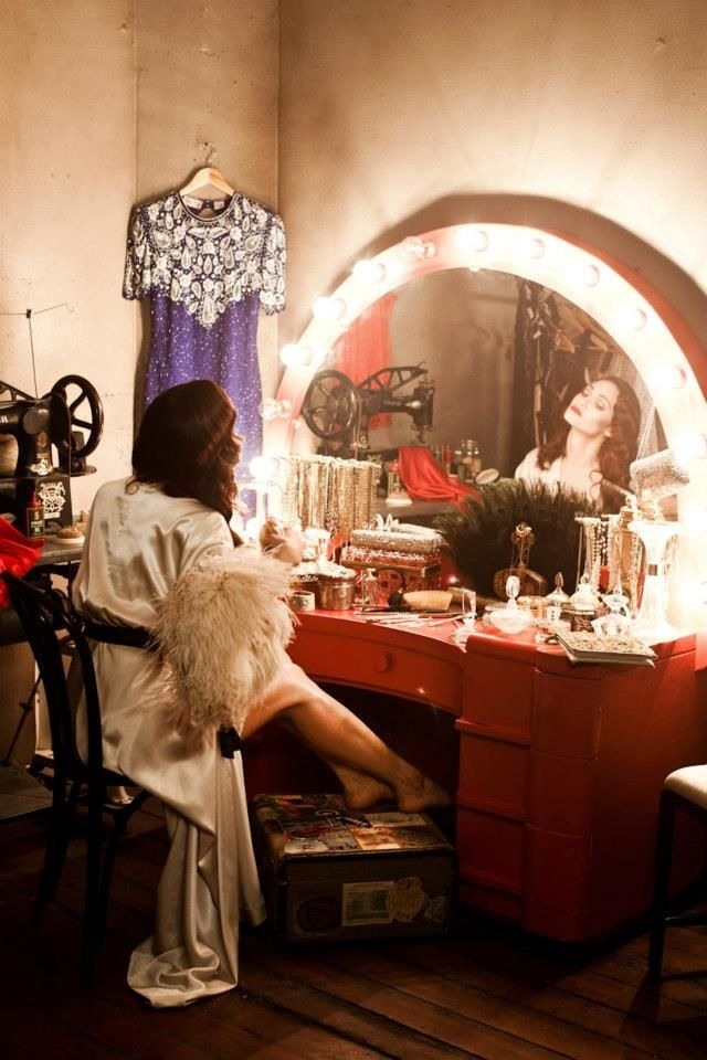 vintage makeup vanity with lights. Vanity Fare  vintage vanity movie star red arched lighting