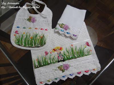 LOY HANDCRAFTS, TOWELS EMBROYDERED WITH SATIN RIBBON ROSES: Conjunto para Menina com Aplicação e pintura.