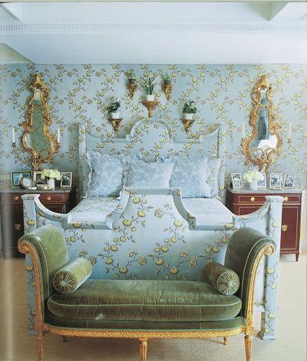 Bedroom Bench For Sale Romantic Bedroom Wallpaper Bedroom Wall Decor Uk Bedroom Bed Image: Carolyne Roehm's New York Bedroom