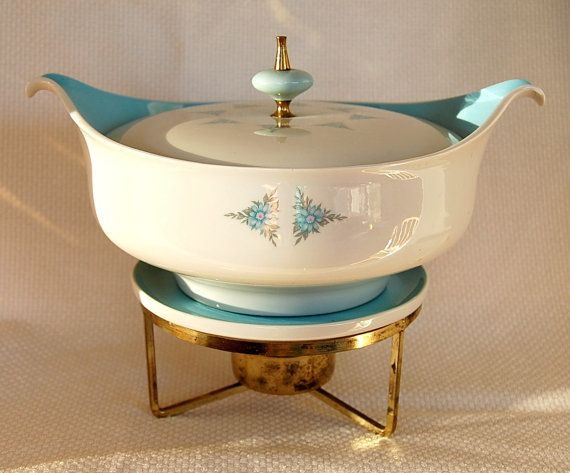 Taylor Smith Taylor TST Tureen Lidded Bowl with Handles Floral Design Roses Wildflowers Wide Gold Band Leaf Pattern