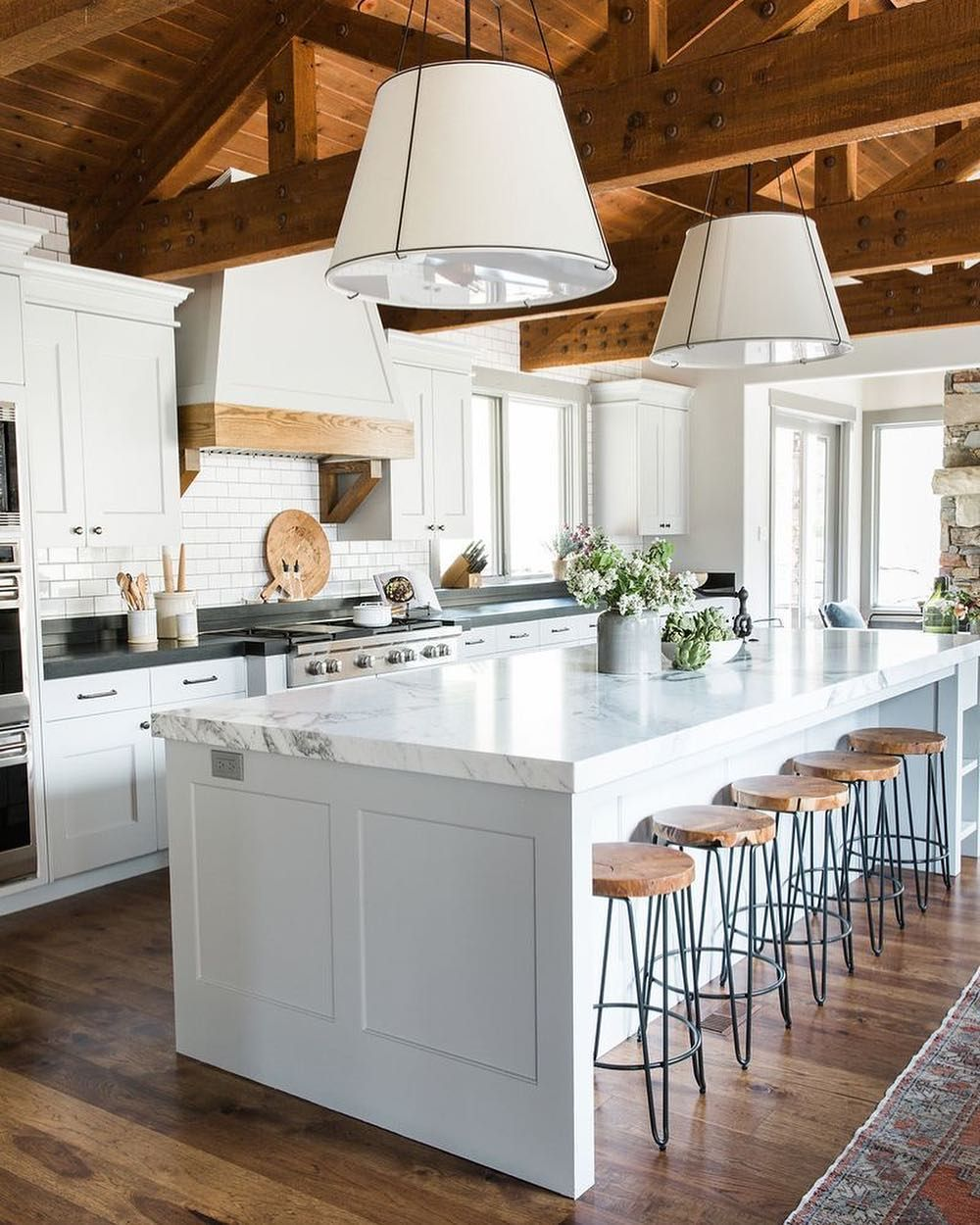 timeless kitchen trends that never go out of style kitchen design home kitchens custom kitchens on kitchen decor trends id=86333