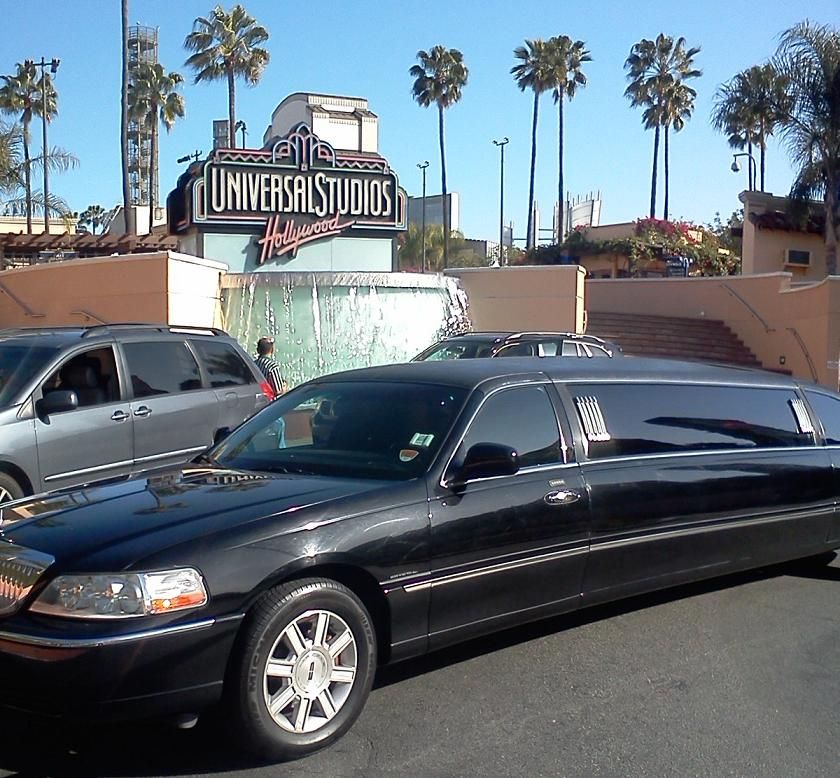 Los Angeles sightseeing by limousine; picture taken while