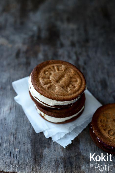 Piparipuffet-jäätelö - Gingerbread Ice Cream cookie sandwich   Kokit ja Potit -ruokablogi #puffet #jäätelö #resepti #cookie #gingerbread