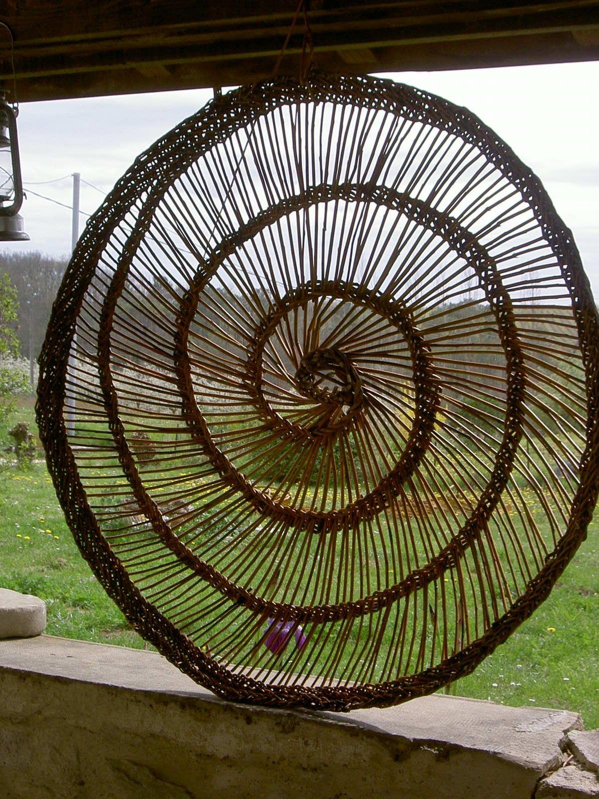 d coration exterieure en osier tress spirale jardin