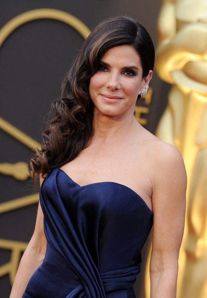 7 Stunning Sandra Bullock Hairstyles For You To Try Sandra Bullock
