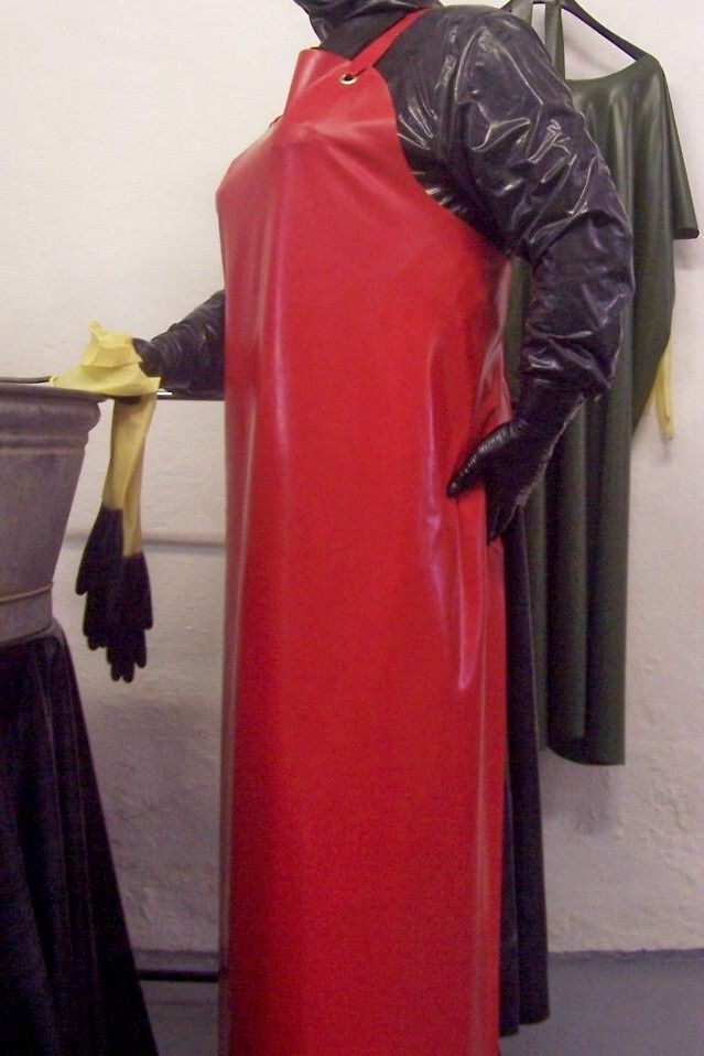 Pin By Rbr4evr On Rubber Aprons Pinterest Sch 252 Rze