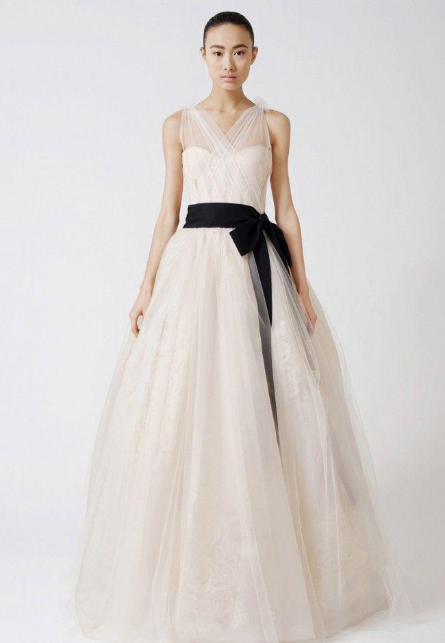 91fae561d8af Vera Wang, Emmeline Tulle Size 8 Wedding Dress For Sale   Still White  Australia