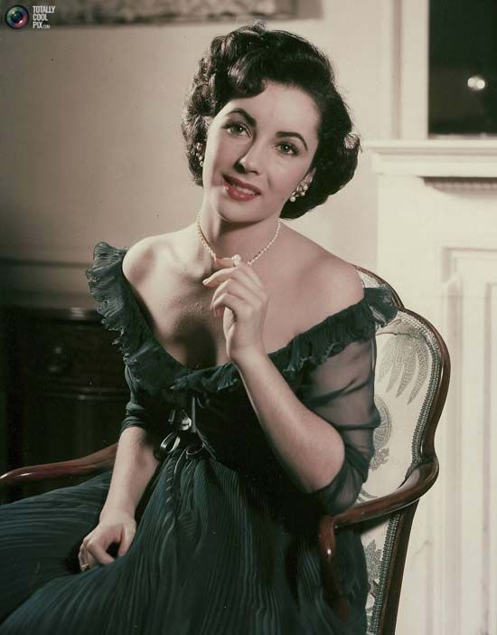 Elizabeth Taylor Fashion Icon Emerald Green Dress