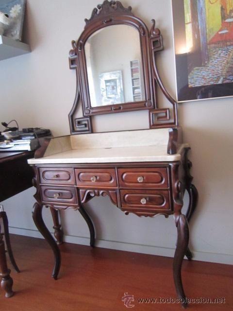 mueble tocador de la ditada restaurado