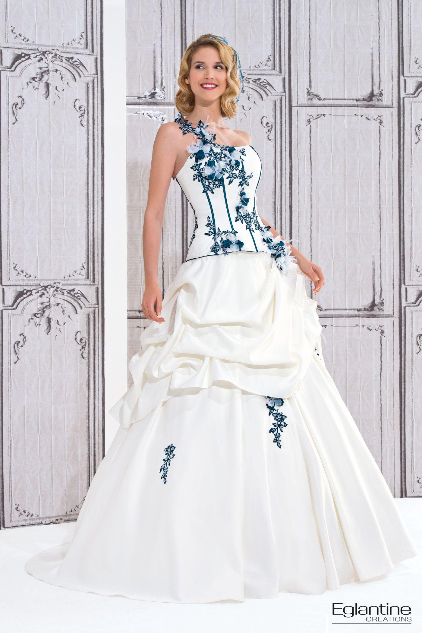 Brautkleid mit farbiger spitze