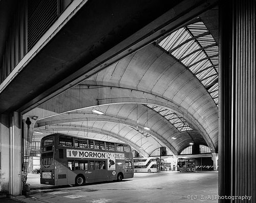 Stockwell Garage, In 1952 the largest unsupported area under one roof in Europe.