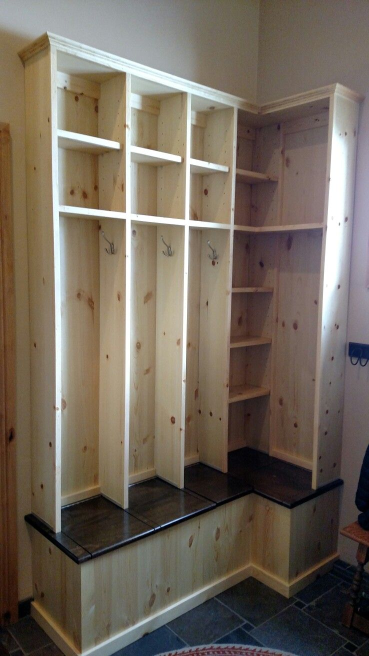 L Shaped Mudroom Lockers With Lift Up Seat For Boots