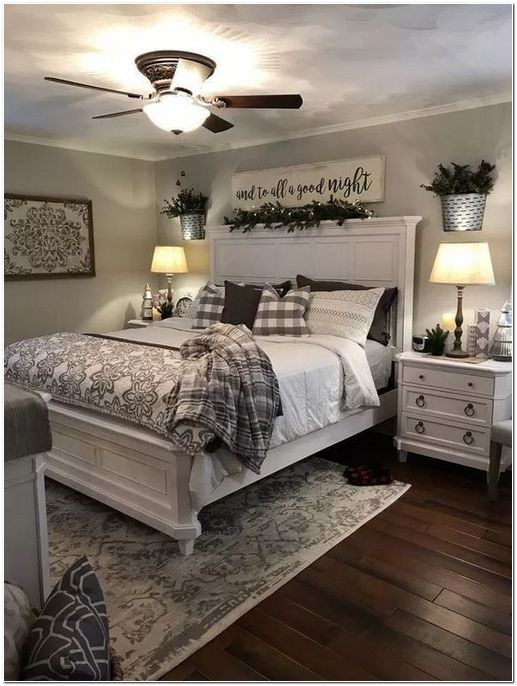 20 Inexpensive Farmhouse Style Ideas For Bedroom Decorating Rustic Master Bedroom Farmhouse Bedroom Decor Small Master Bedroom