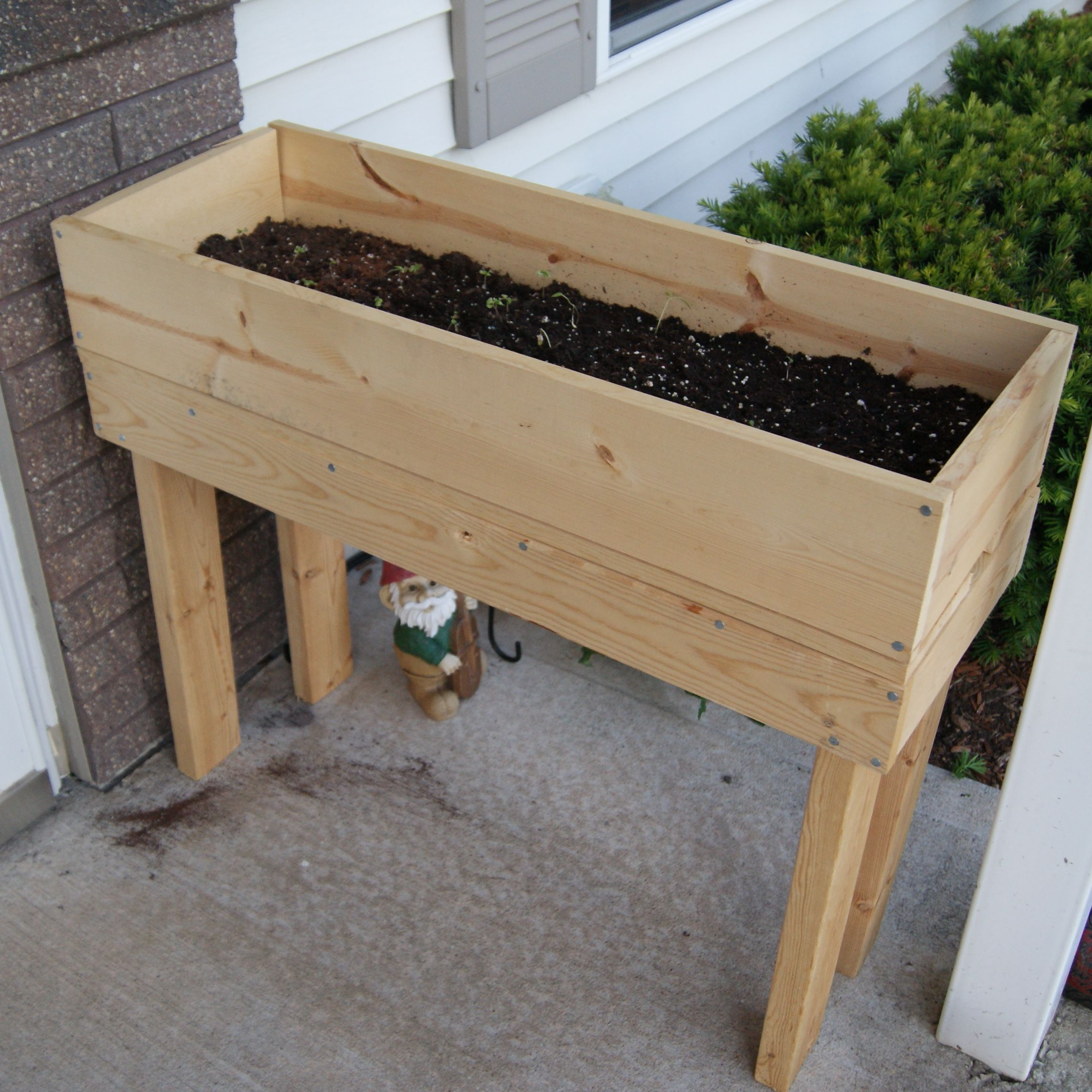 Furniture Simple Minimalist Diy Wooden Raised Planter Box On