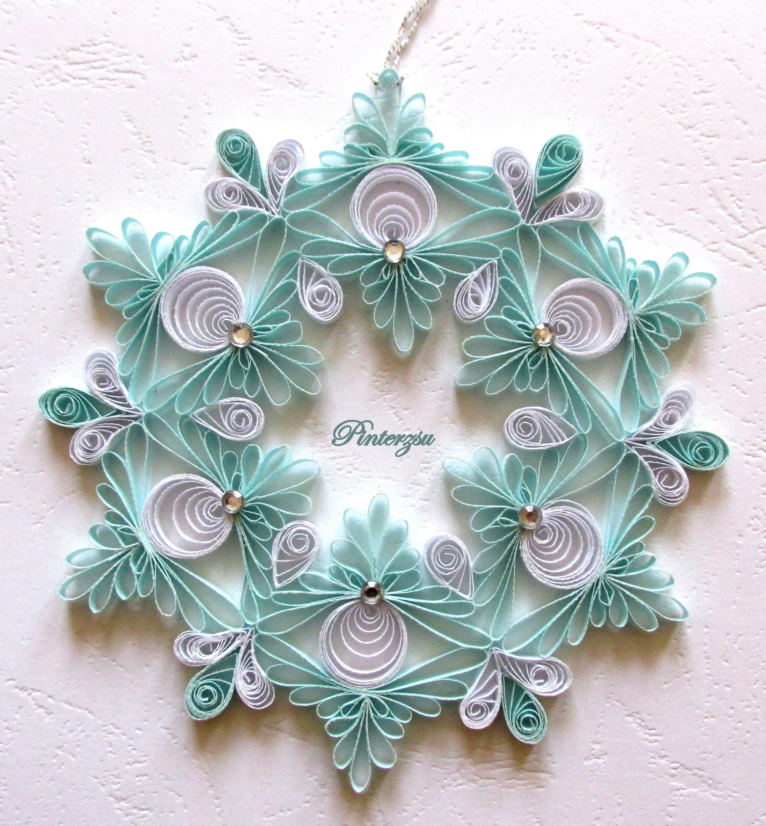 снежинки в стиле квиллинг фото