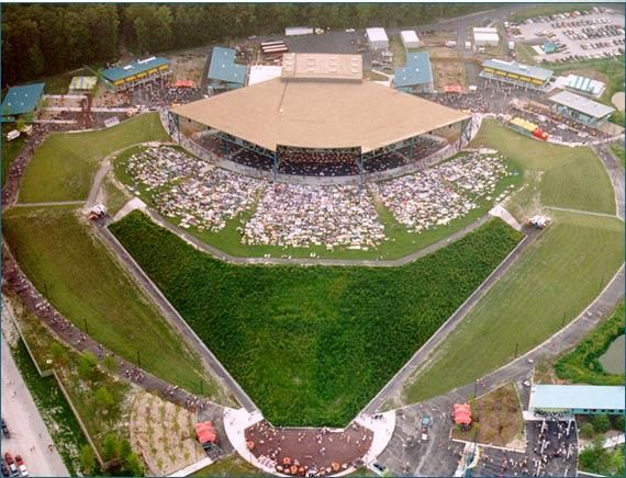 Verizon Wireless Amphitheater In Virginia Beach Va I Saw Dmb Here On 8 7 08 Which Hened To Be Heather S First Show