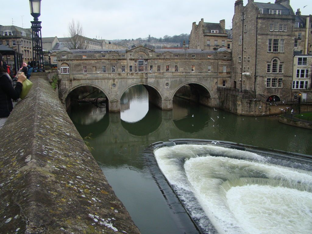 Pulteney Bridge, Bath jigsaw puzzle in Waterfalls puzzles ...
