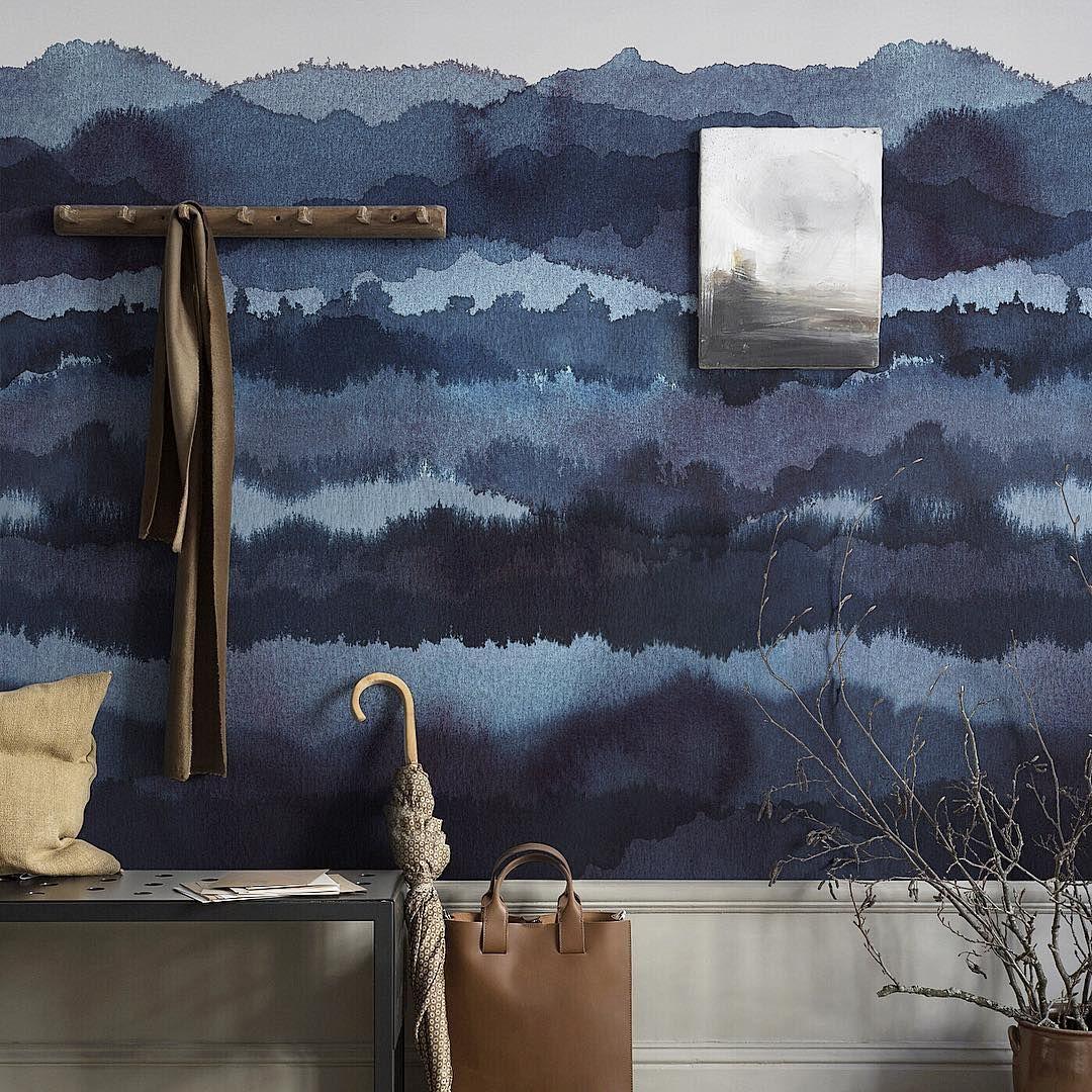 sandbergandfriends Deep and dramatic in its dark tones, with a relaxing and dreamlike horizon. Wallpaper Midnatt