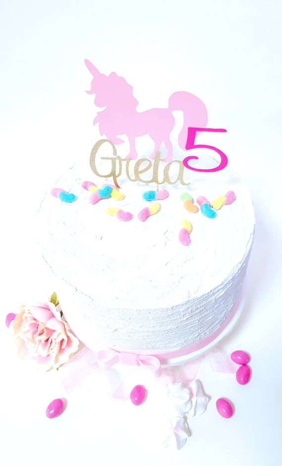 Ehi, ho trovato questa fantastica inserzione di Etsy su https://www.etsy.com/it/listing/521455631/cake-topper-unicorn-pink-gold-happy