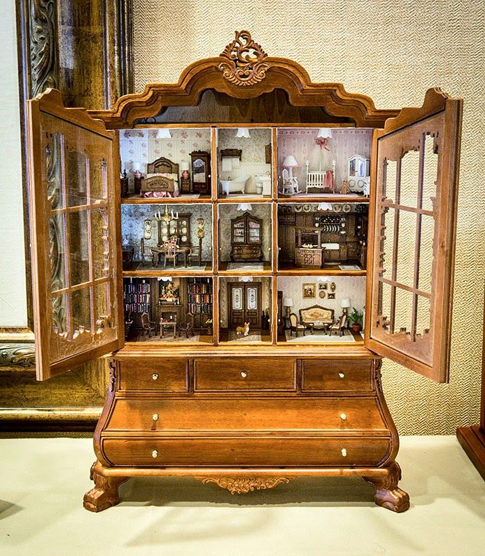 Good Sam Showcase of Miniatures: Dutch Baby House with ¼ ...