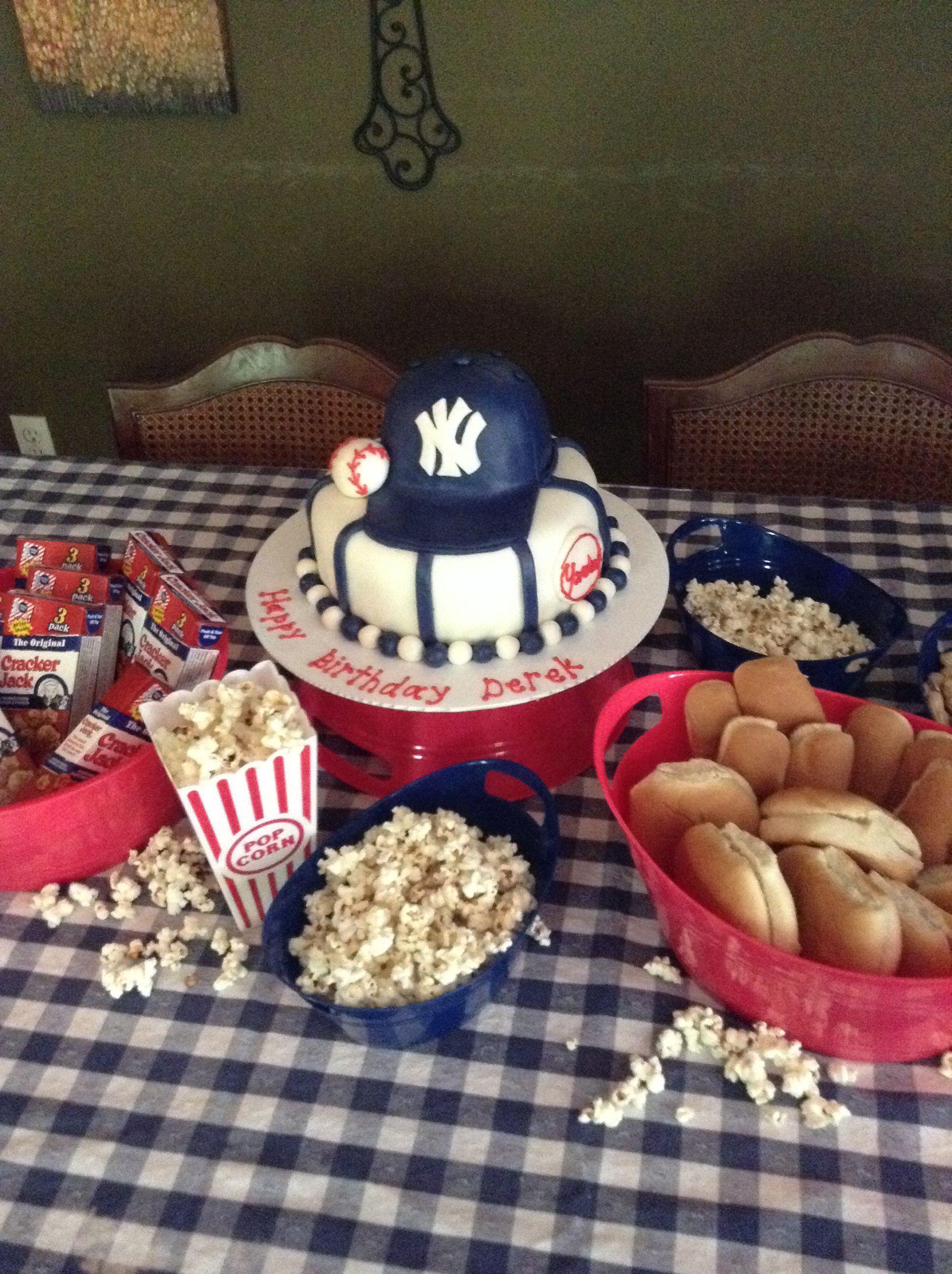 New York Yankees Marshmallow Fondant Cake Baseball Themed