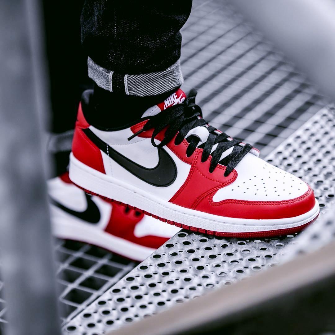 newest 6f170 d86cd Nike Air Jordan 1 Retro Low Chicago (via Kicks-daily.com)
