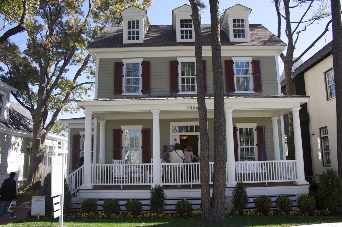 Exterior house paint ideas ranch style - House Art Maroon And Grey American Style Exterior Design Favorite Home Exteriors Color Ideas