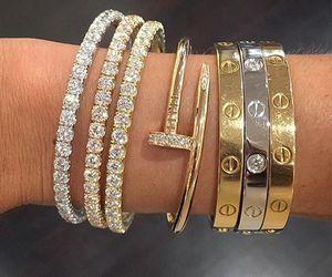 Dashboard Inspiracao E Imagens Incriveis Todos Os Dias We Heart It Love Bracelets Cartier Jewelry Cartier Love Bracelet