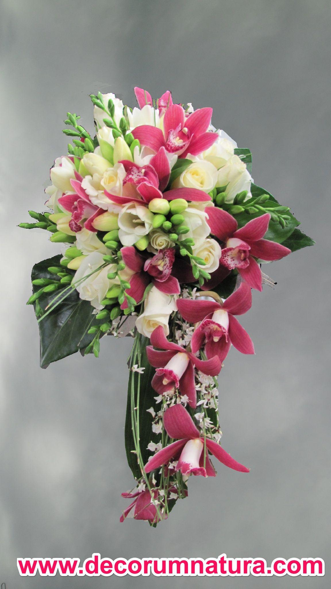 En suave cascada bouquets pinterest wedding flowers bouquet en suave cascada izmirmasajfo