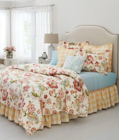Pin By Jzbrum On Farmhouse Country Bedroom Decor Home Floral Quilt Bedding