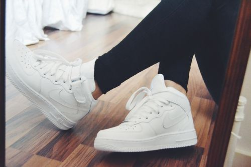 nike blanche simple