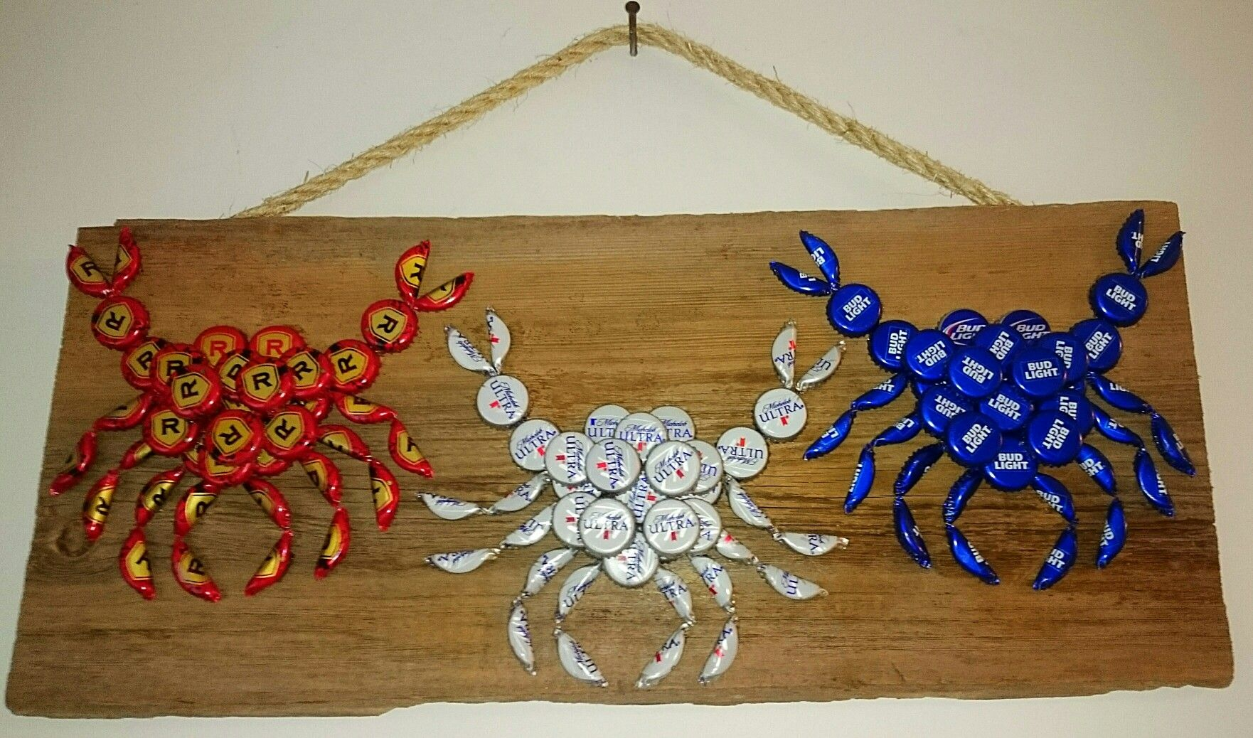 The Crabby Crabs Bottle Caps Wall Hanging Com Imagens Tampas