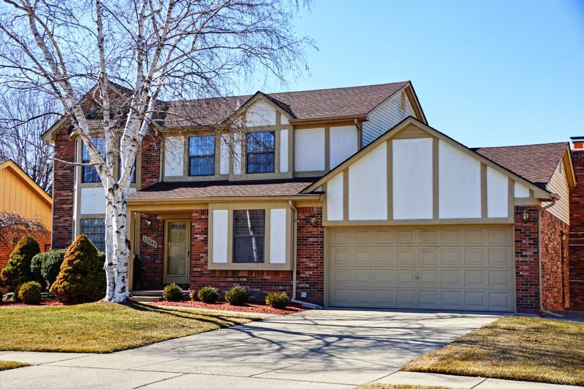 13849 Diversion Sterling Heights, MI 48313 House styles