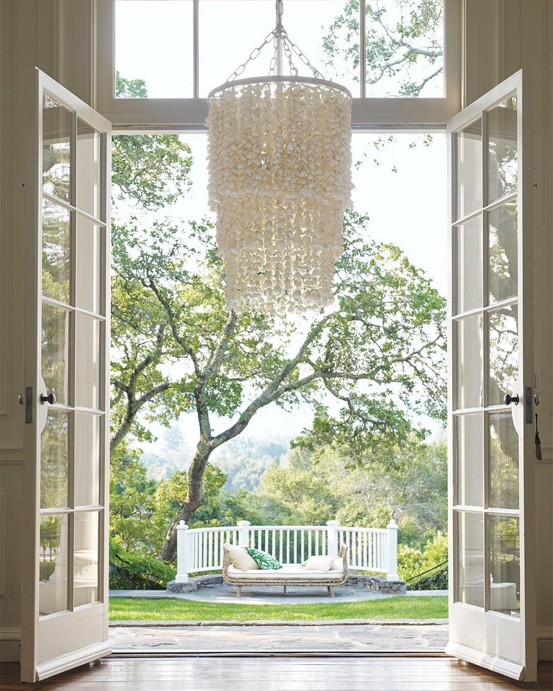 A statement piece this stunning deserves a grand entrance