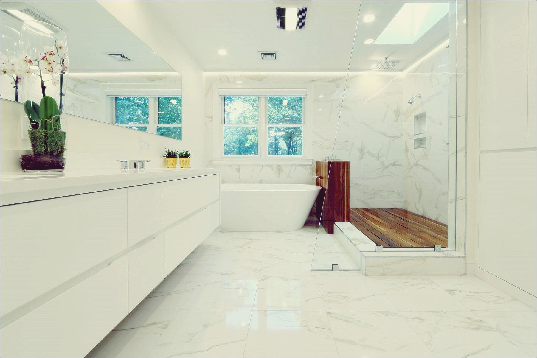 15 Moglichkeiten Ihr Weisses Badezimmer Mit Stil Aufzufrischen Duschboden Weisse Badezimmer Badezimmer Einrichtung