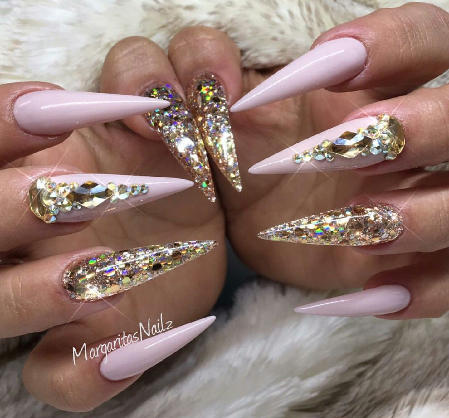 Pastel Pink Long Stiletto Gold Nails Design Swag Nails Stiletto Nails Designs Gold Stiletto Nails