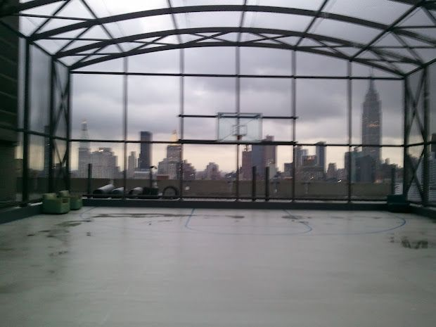 From The Top Of Bellevue Hospital On 27th Street A Basketball Court Looms Near The Empire State Building 7 20 12 Bellevue Hospital Bellevue Hospital