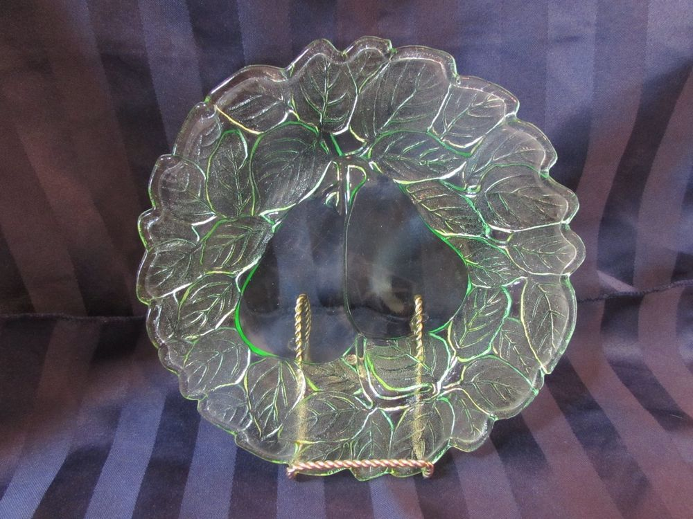 "Vintage Uranium Green Depression Glass ""Avocado"" Indiana Glass Company Luncheon Plate"